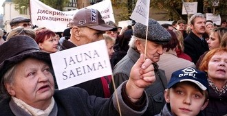 Латвия: кризис убивает страну