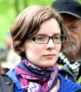«Женщины зажаты в тисках двух идеологий»