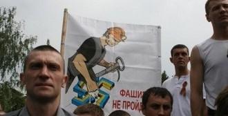 Donetsk miners strike against war